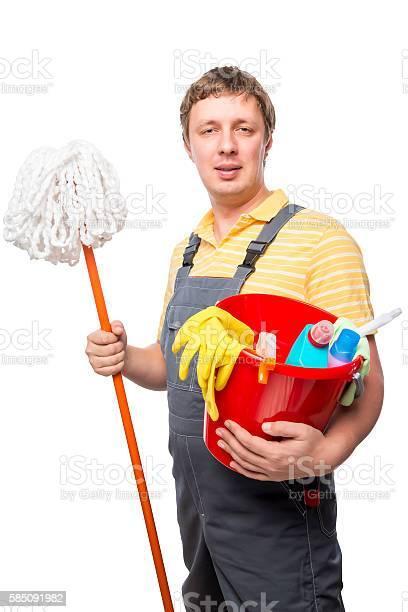 ولد هندي (خادمة منزل) يريد العمل في الكويت.